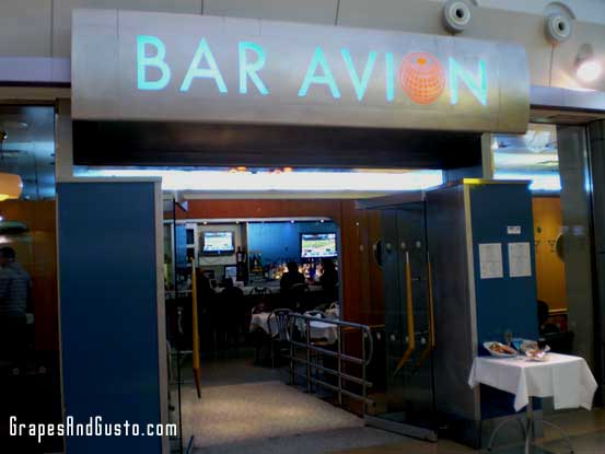 Bar Avion, at New York's JFK airport, proves that preparing for take-off can feel mod and stylish.
