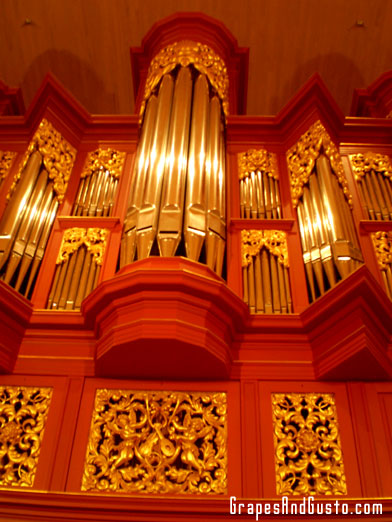 Pipe organ at ASU performance